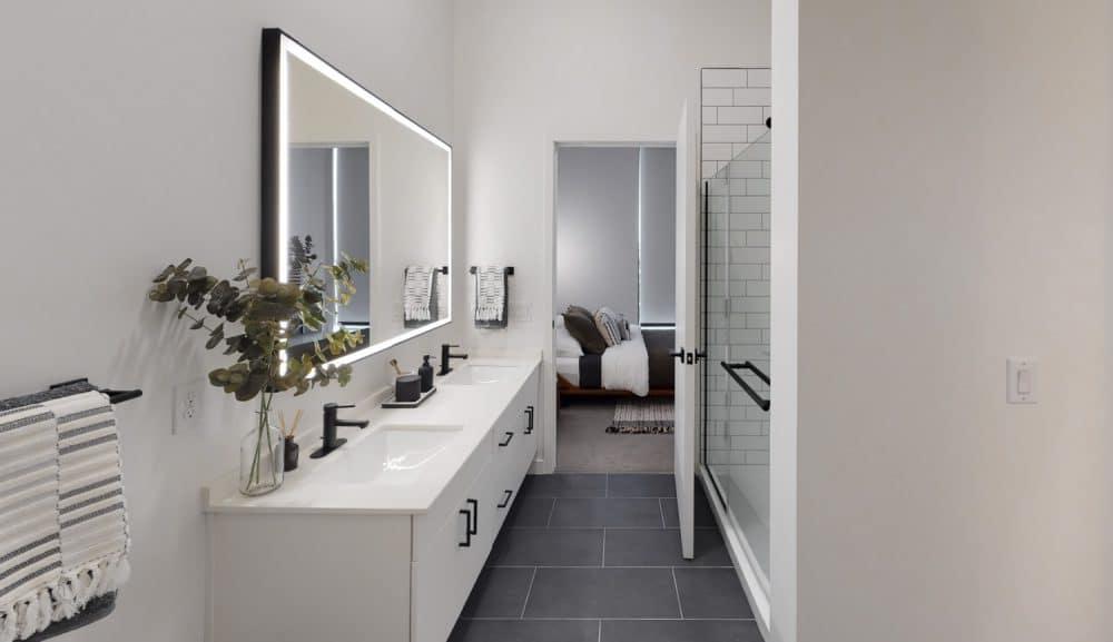 bathroom in houston apartment